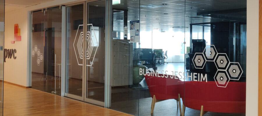 Business Jessheim inngang på Jessheim Storsenter
