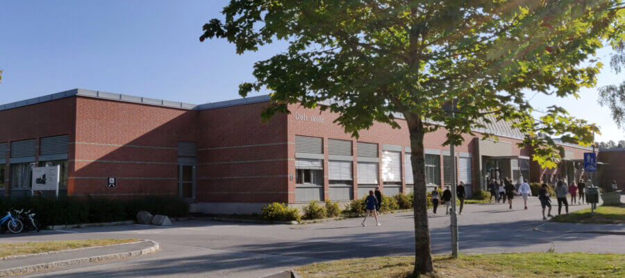 Døli barneskole byggning i september 2021
