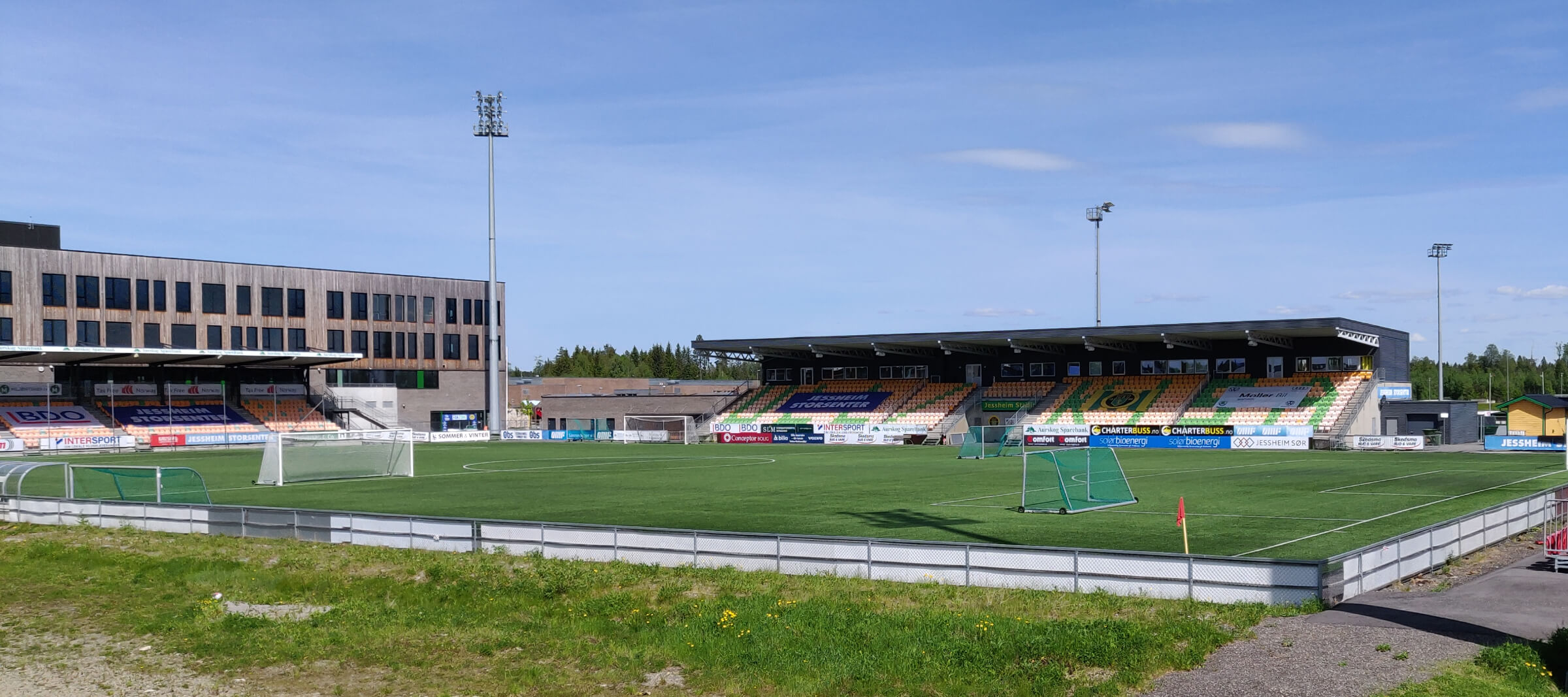 Jessheim Stadion tatt en sommerdag i Juni 2021