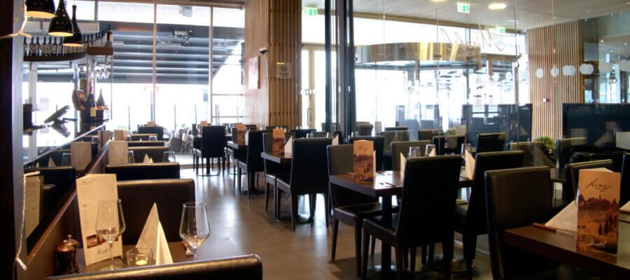 Mirabel Jessheim inne i Restauranten