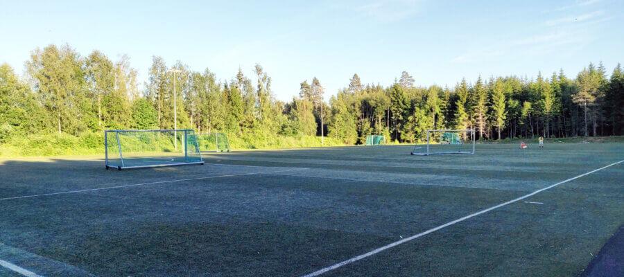 Skogmo Skole kunstgress fotballbane i Juni 2021