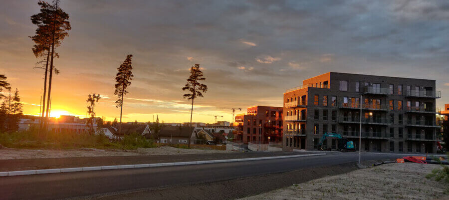 Skogmo Park i solnedgang Juli 2021, Jessheim